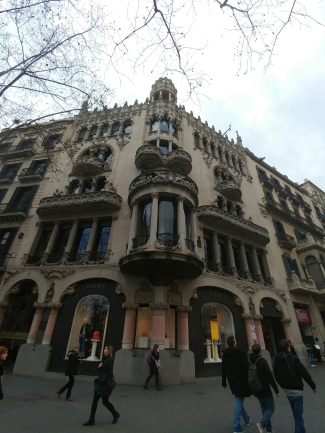 A building in the Passeig de Gracia shops